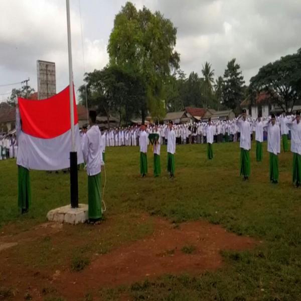 Upacara Hari Santri Nasional Berlangsung Hidmat