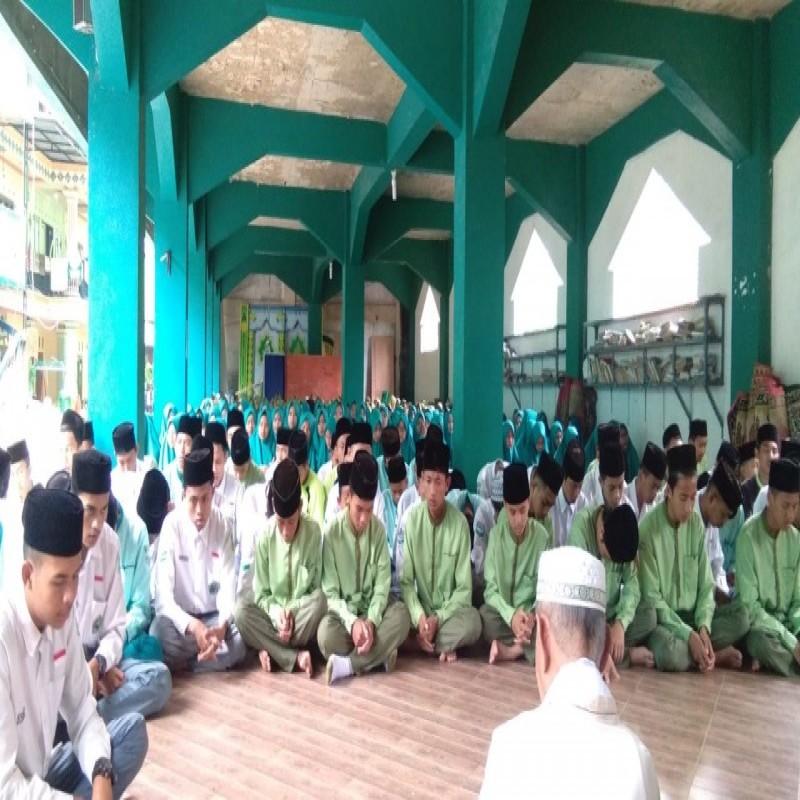 Ratusan Siswa dan Guru MA Malnu Gelar Doa Bersama Bagi Korban Lion Air JT-610